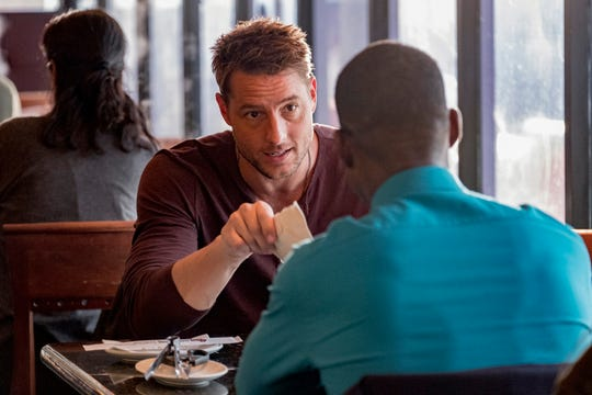 """Justin Hartley as Kevin Pearson, Sterling K. Brown as Randall Pearson on """"This Is Us."""""""