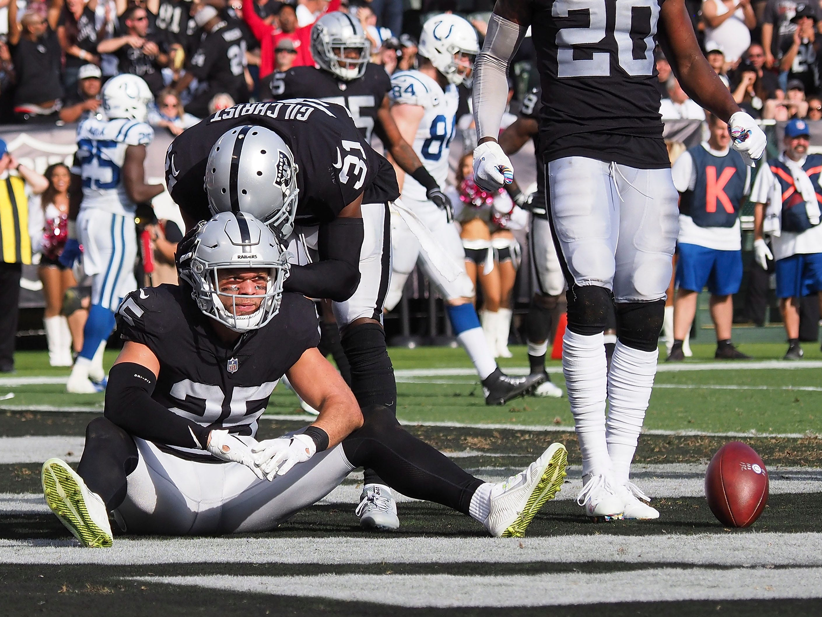 32. Raiders (32): Treat — intentionally gutted team still trying to serve up what may be one final victory to Oakland fan base that may have to say goodbye after season.