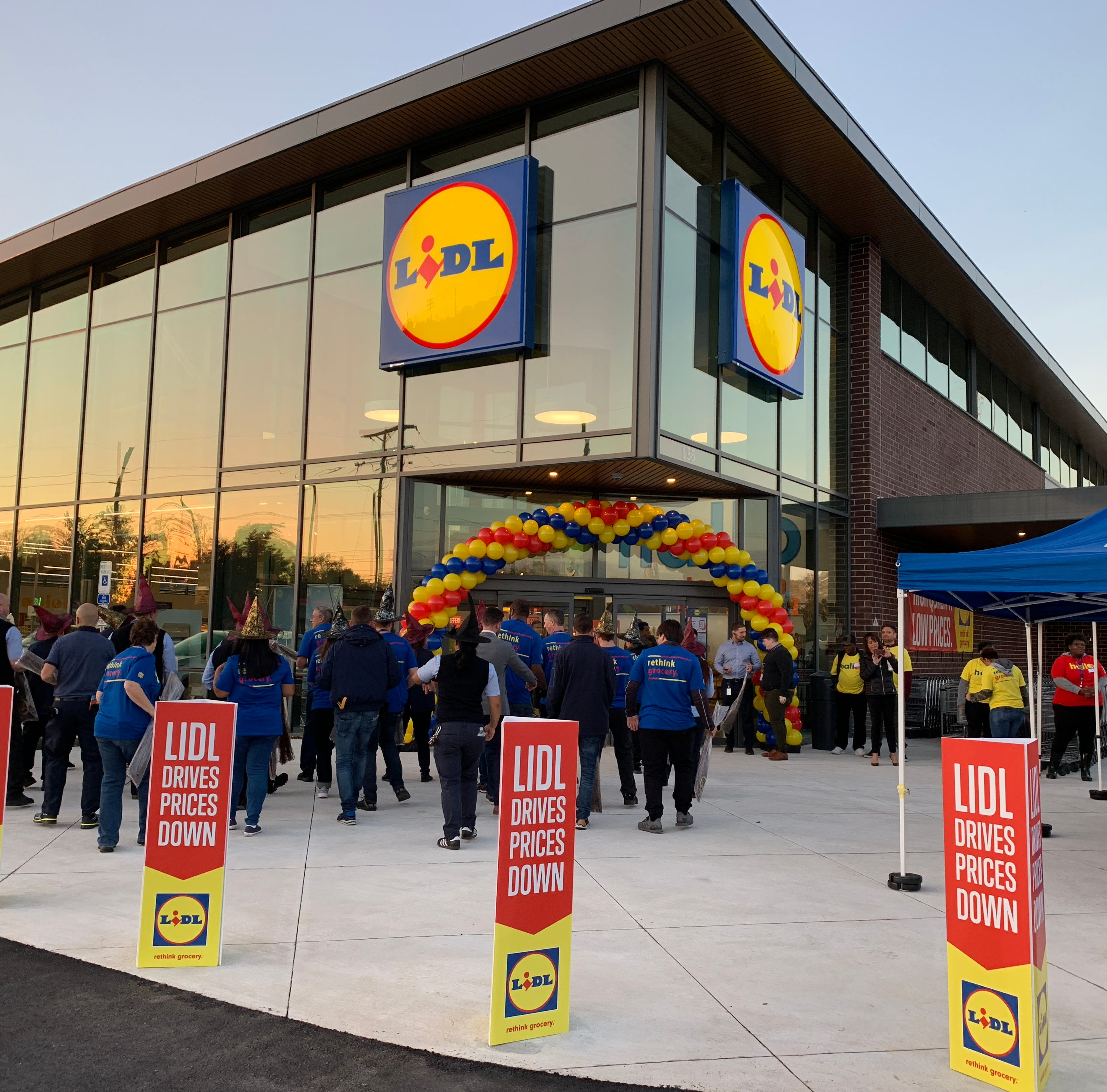 Discount grocer Lidl to buy Best Market in Holmdel