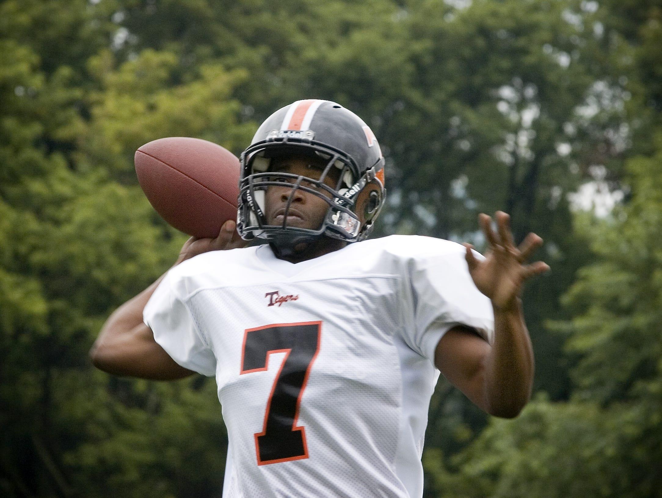 2006 Union-Endicott football starting quarterback Jermaine Thomas.