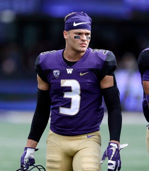 Cornerback Elijah Molden was one of three Huskies named to the AP's 2019 All Pac-12 first team.
