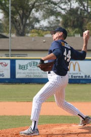 Eau Gallie alumni Rick Turner delivers a pitch during the EGHS Alumni Hall of Fame Classic in 2007 in Melbourne.
