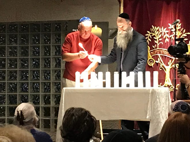 A memorial service for the victims of the mass shooting at a Pittsburgh synagogue was held at the Chabad of the Space and Treasure Coasts on Tuesday evening.