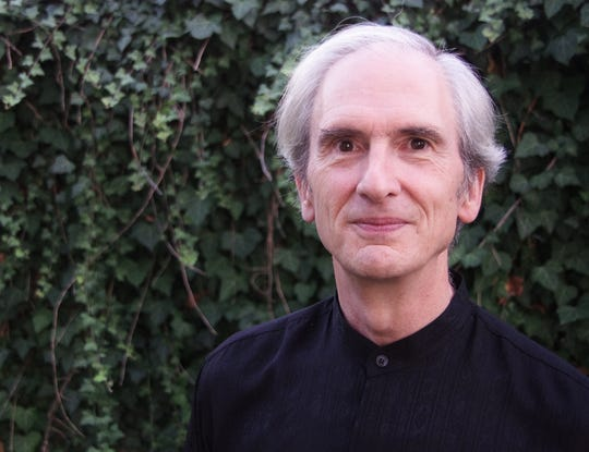Artistic director Richard Riley will lead the Burlington Choral Society in a Nov. 17 concert.
