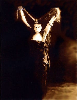 """Actress Theda Bara from Avondale was the first screen """"vamp."""""""