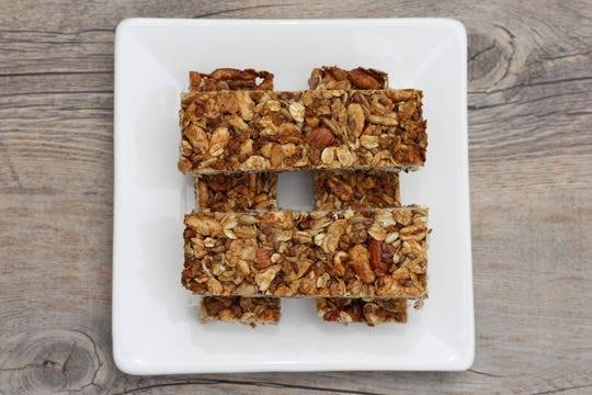Make your granola bars at home with this recipe.