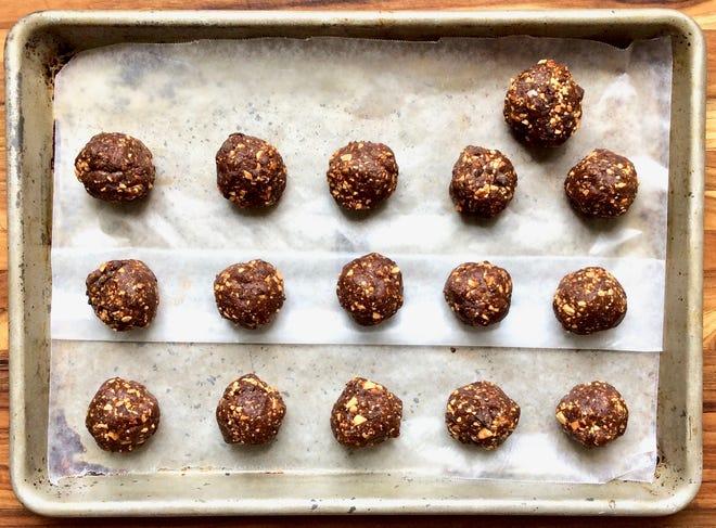 Dark chocolate sea salt energy bites.