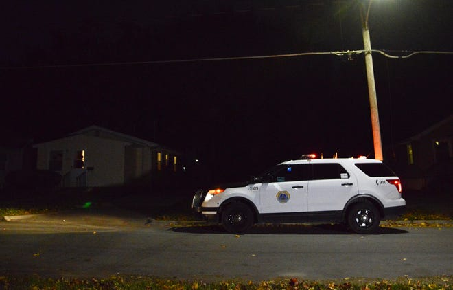 Des Moines police investigate a shooting Wednesday, Oct. 31, 2018, in the 1300block of Hutton Street in the city'sMartin Luther King Jr. Park neighborhood.