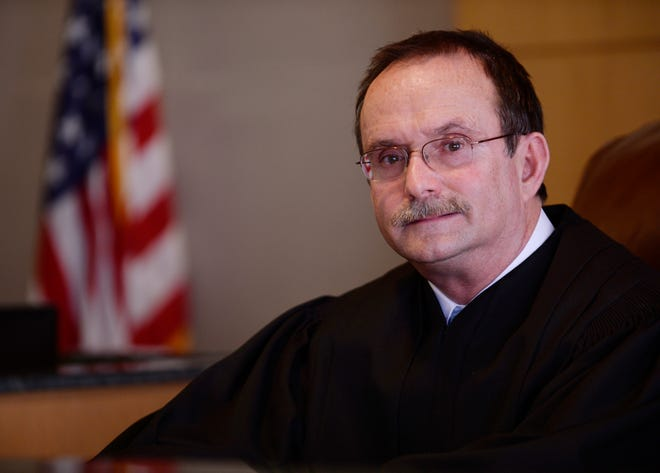 Longtime Wayne Circuit Court Judge Robert Colombo Jr. is retiring from the bench by early next year, state officials announced Wednesday.