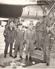 Flight crew of doomed Hustler bomber, 1964
