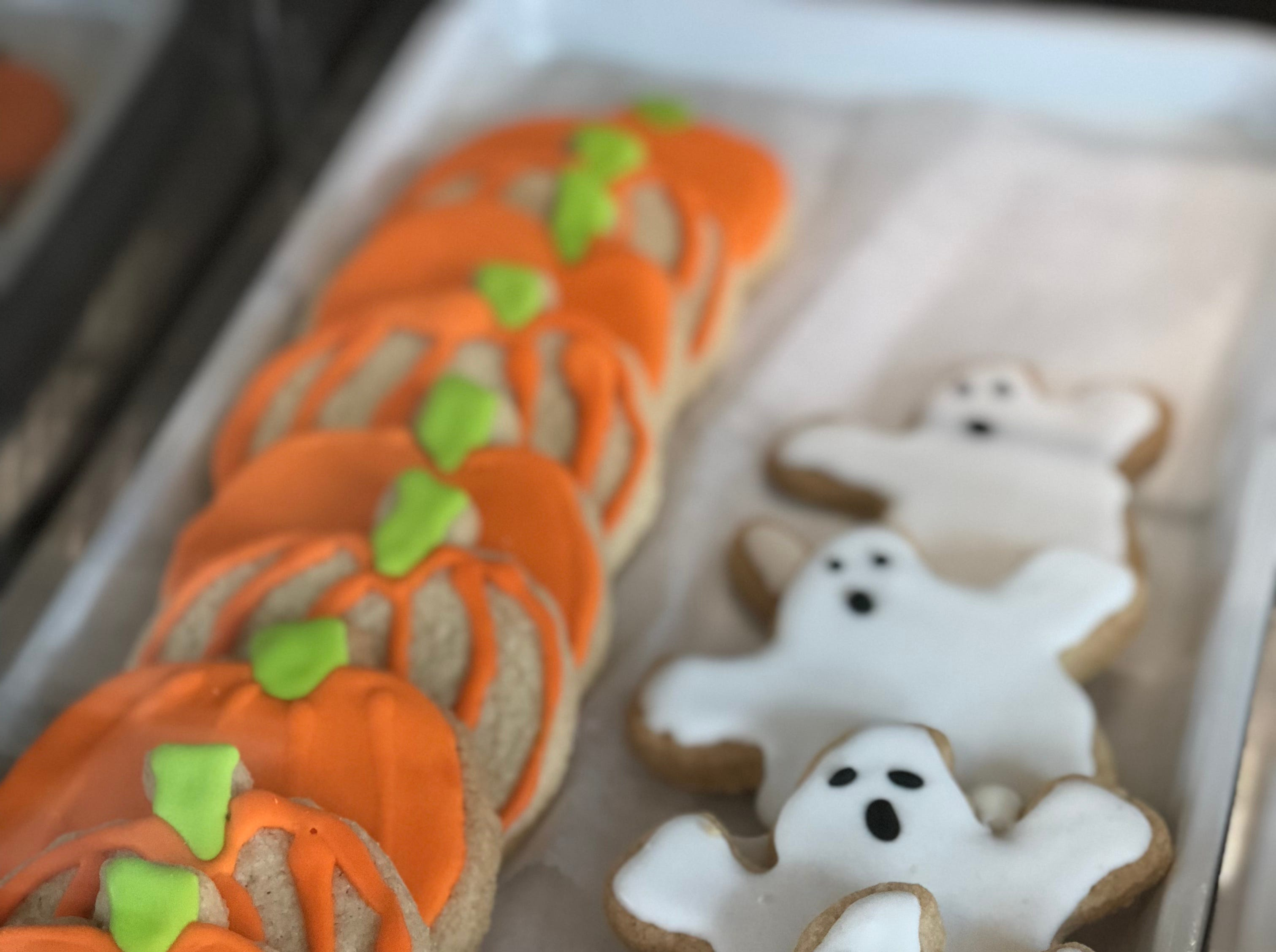 Halloween sugar cookies are a gluten free holiday treat. Mama C's bakery has plans for Thanksgiving and Christmas sugar cookie designs for the holidays.