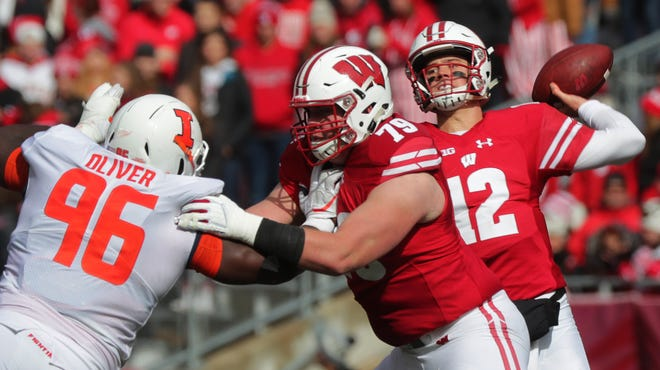 UW tackle David Edwards (79), who has battled a shoulder injury most of the season, says he started to feel a breakthrough in his recovery in the Illinois game Oct. 20.