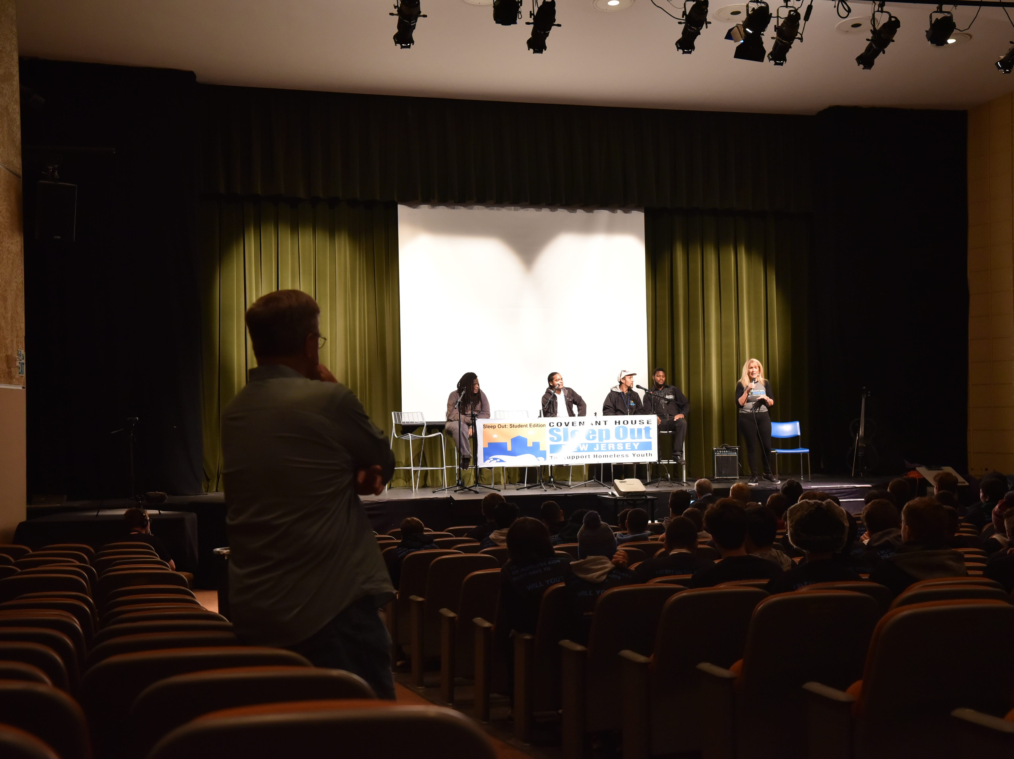 Before the sleepout, students had a presentation and guest speakers focusing on the homelessness issues.