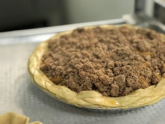 La Tabatiere's whole apple pie for Thanksgving