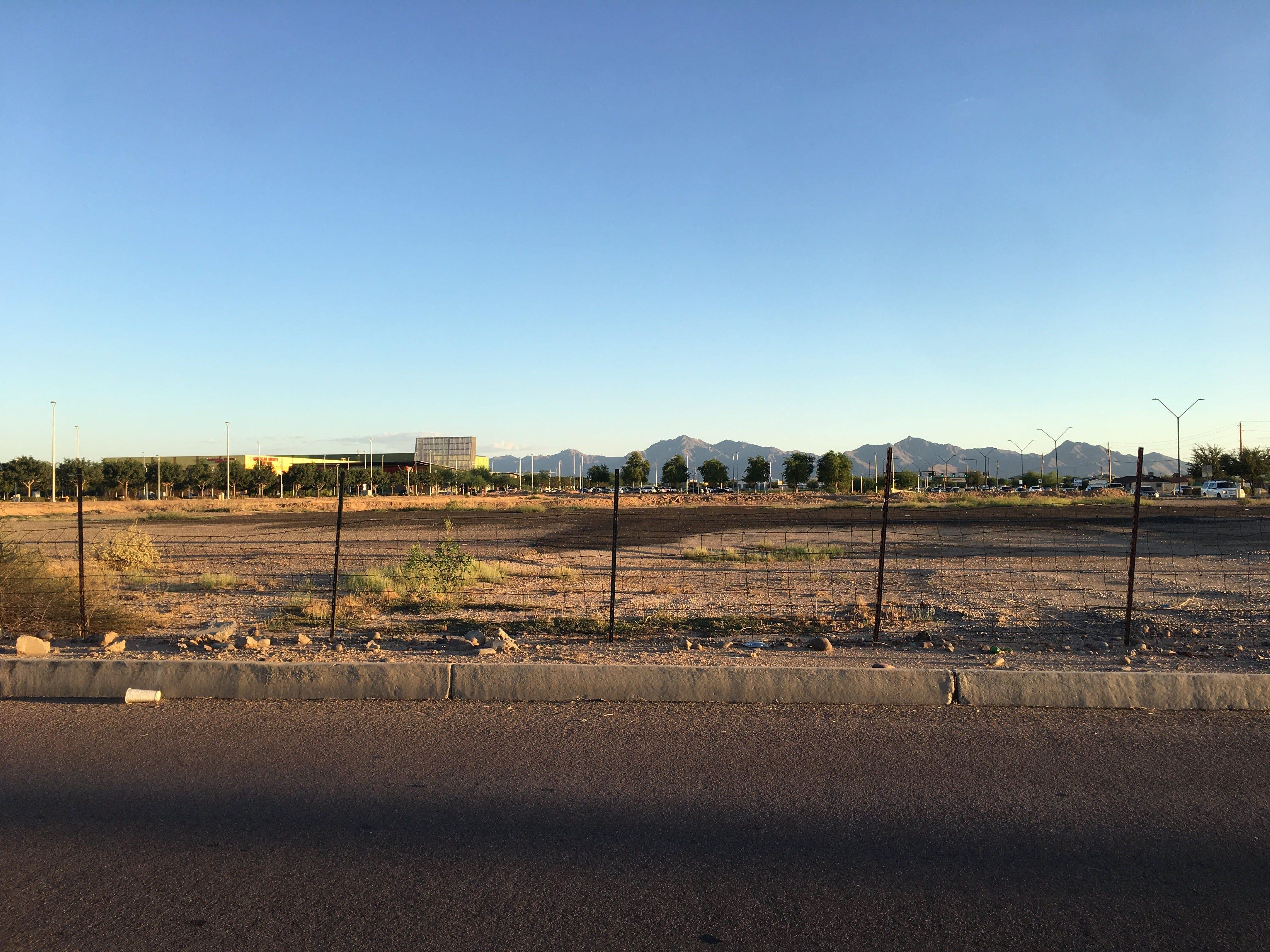 Arizona suburbs rethink boom era hopes 10 years after Great