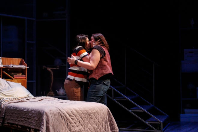 """""""Changing My Major"""" is a highlight of Phoenix Theatre's production of """"Fun Home."""""""