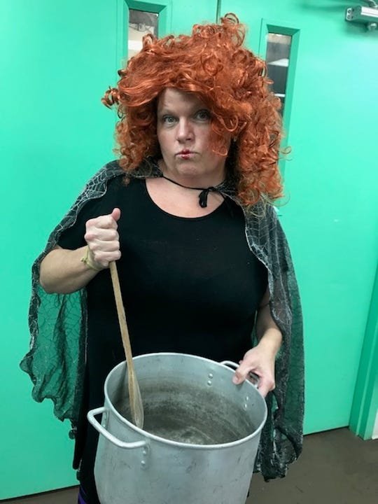 SweetNanaCakes employee Heather Golladay as Winifred  Sanderson.