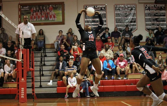 Leon freshman Alexa Washington sets a ball as Leon defeated Chiles 3-1 in a Region 1-8A semifinal playoff game on Tuesday, Oct. 30, 2018.