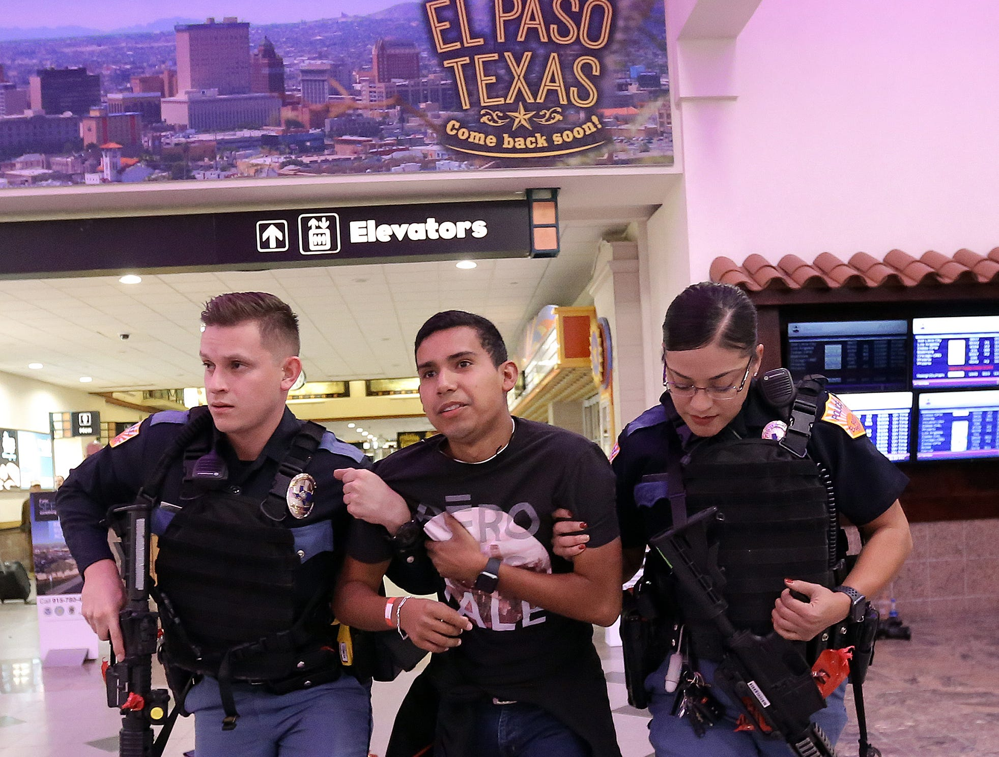 Several law enforcement agencies converged on the El Paso International Airport late Monday night for a live training on a live shooter/terrorist situation. The scenario played out with the assistance of dozens of actors, law enforcement, paramedics and evidence teams.
