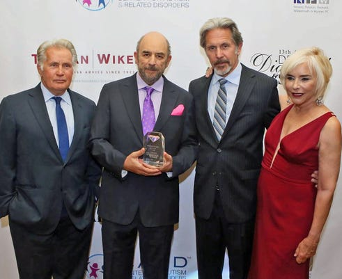 Martin Sheen Richard Schiff Gary Cole Nancy Alspaugh Jackson