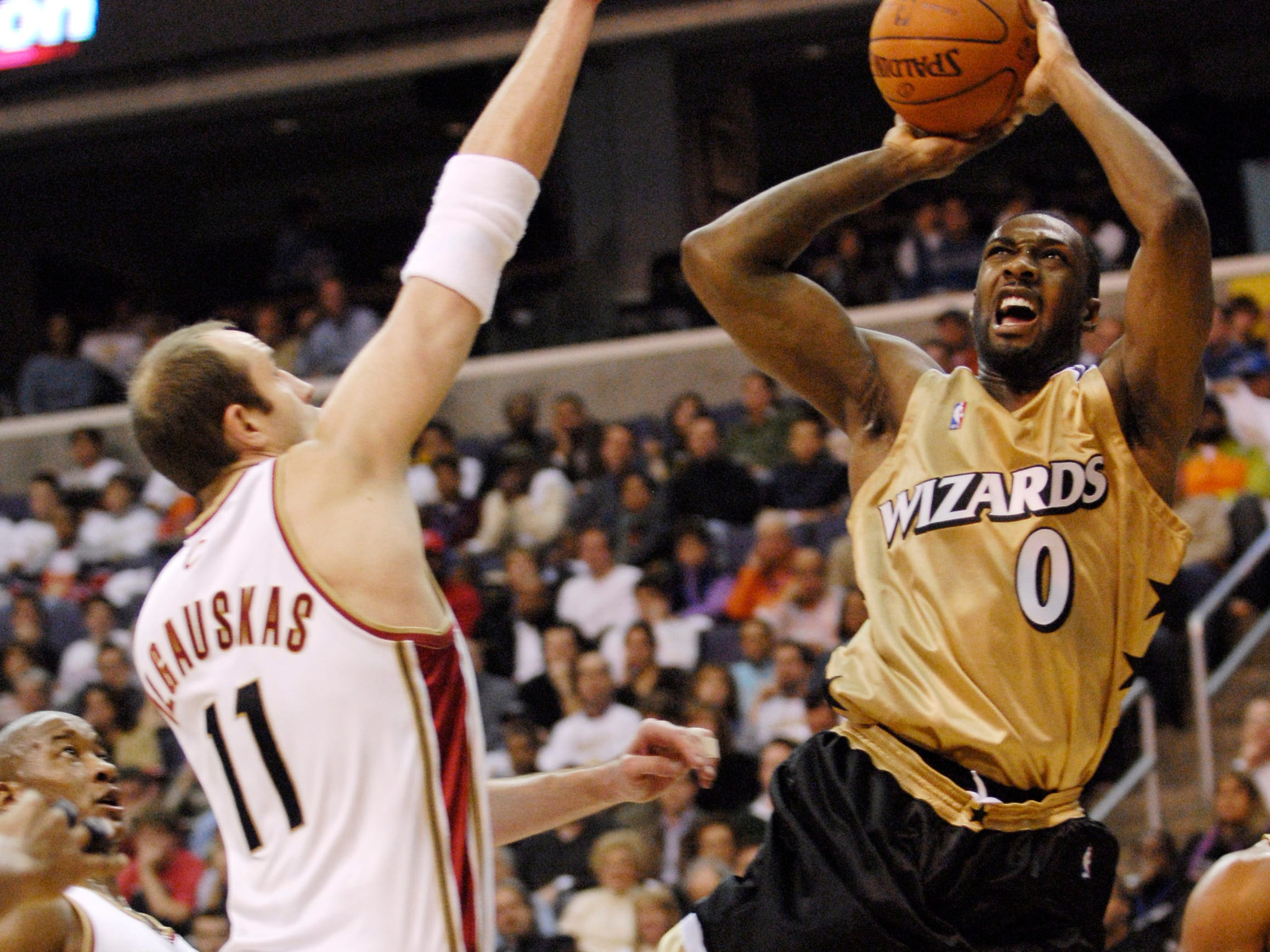 What not to wear: Ugliest uniforms in NBA history