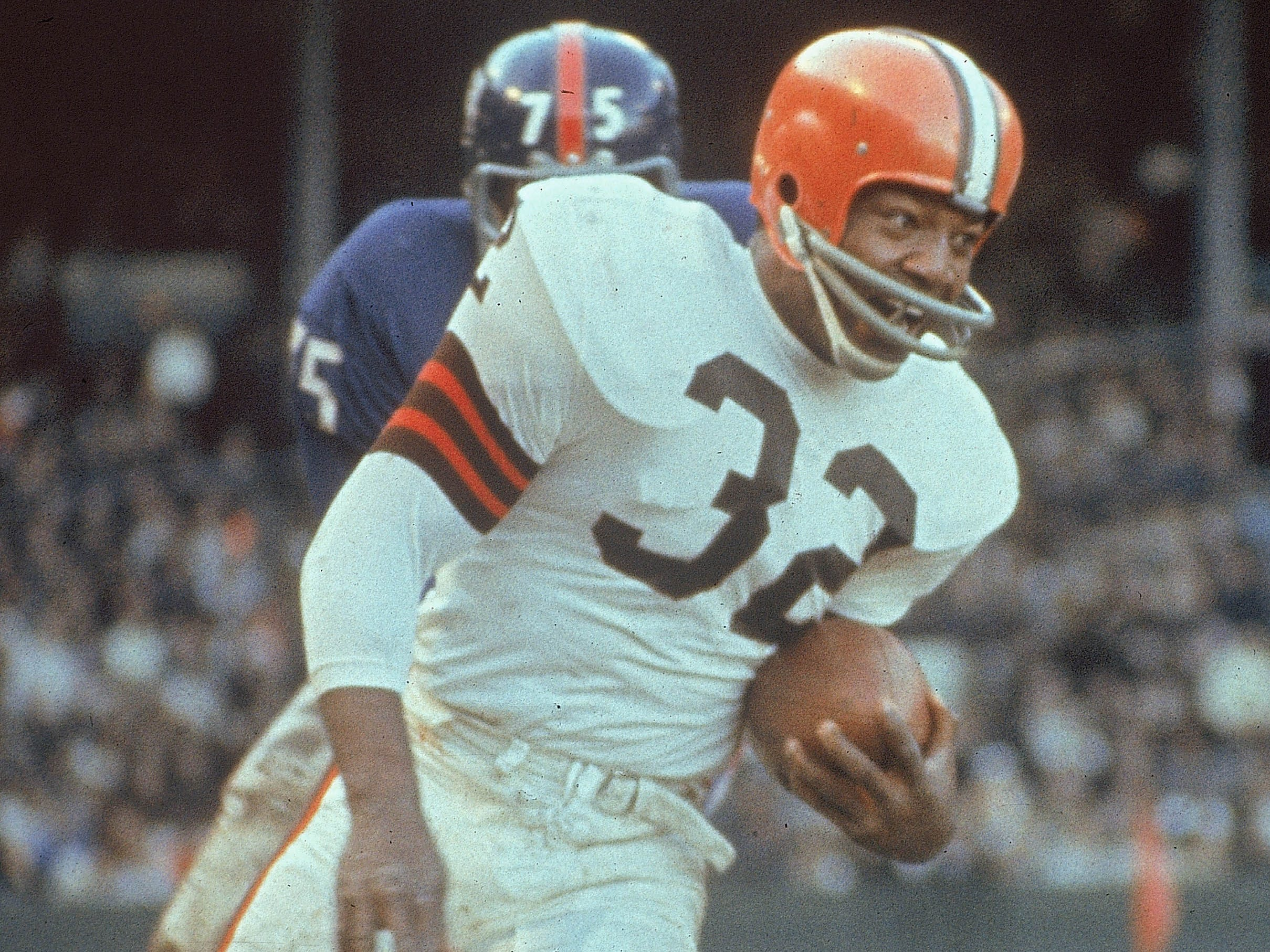 Jim Brown - Arguably the most dominant player in NFL history.