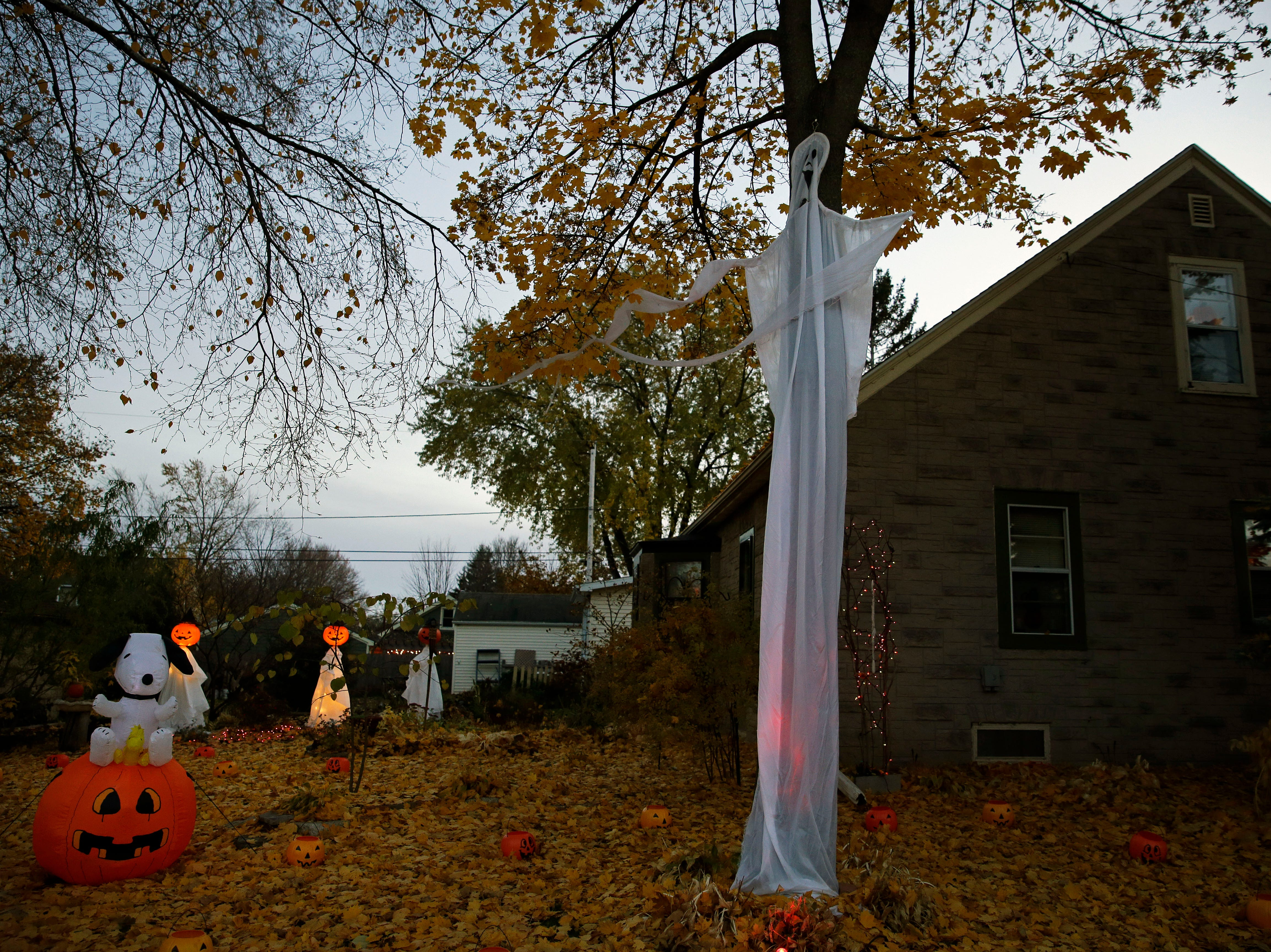 Brian Kemp has his house decorated for the big day Wednesday, October 31, 2018, in Appleton, Wis.