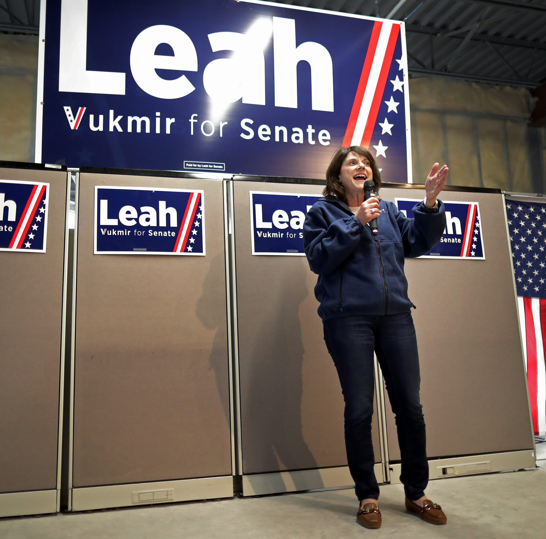 Leah Vukmir, Scott Walker campaign in Fox Cities ahead of Tuesday election