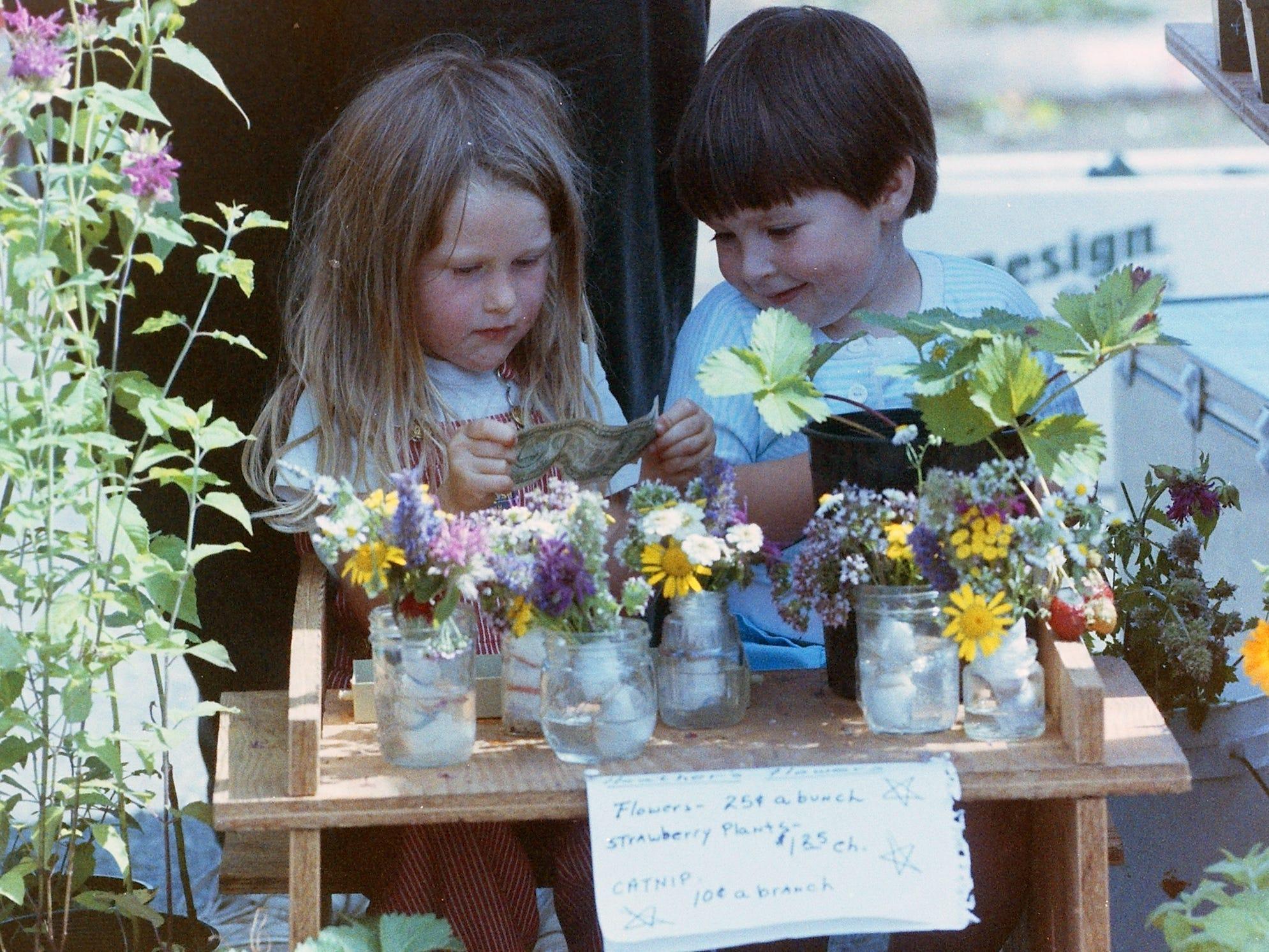 08/12/91Farmers Market