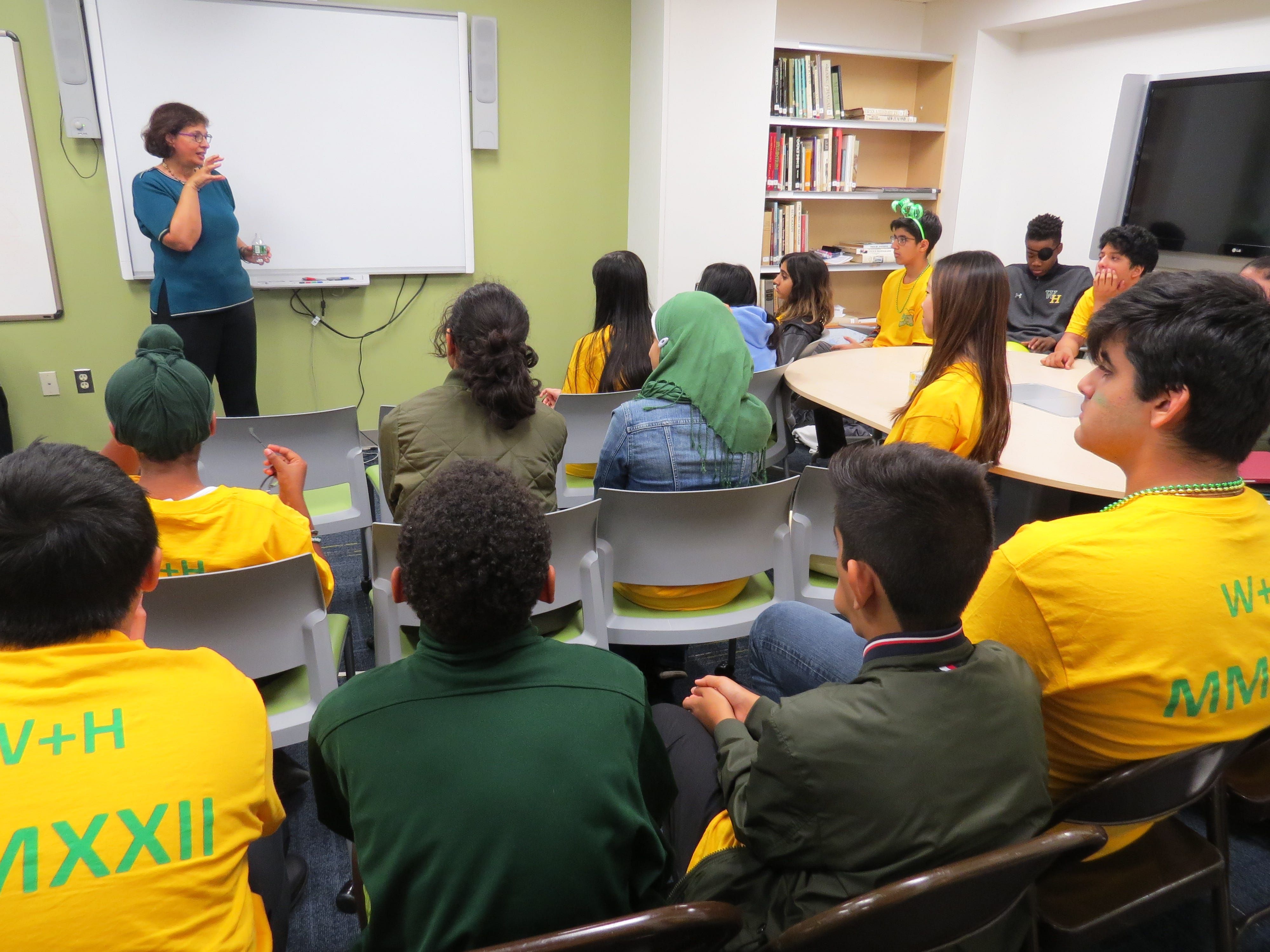 Pulitzer prize winning journalist and author Sonia Nazario made an enlightening presentation to Upper and Middle School students.
