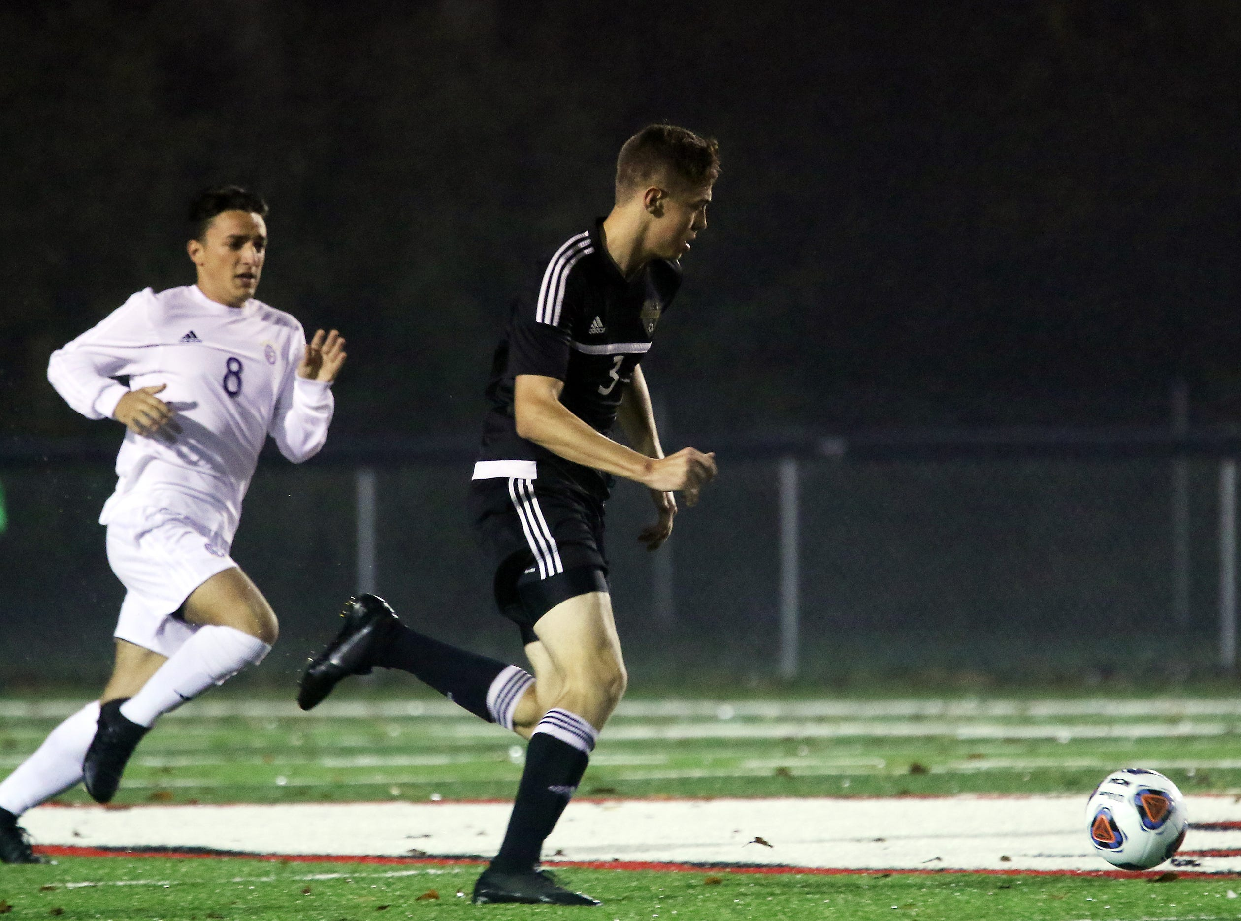 River View's Nathan Bullock moves with the ball against DeSales.