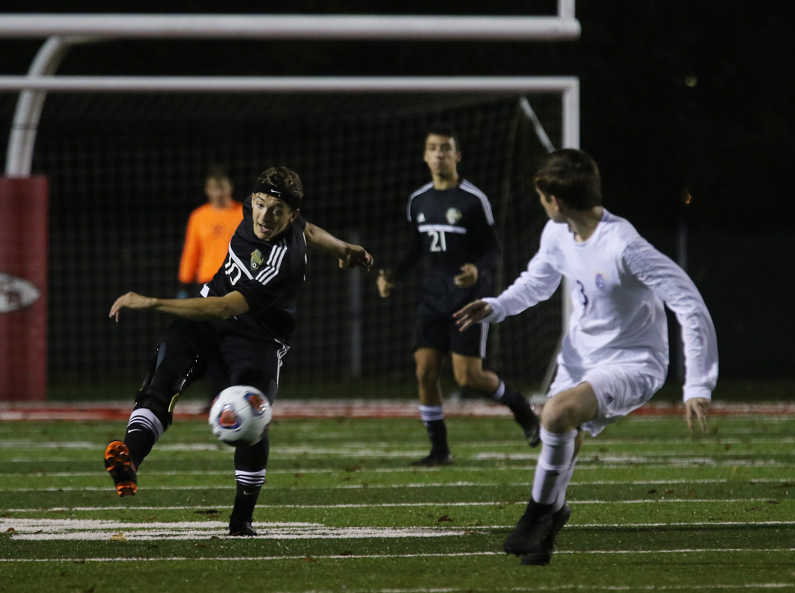 River View's Andrew Martin passes the ball against DeSales.