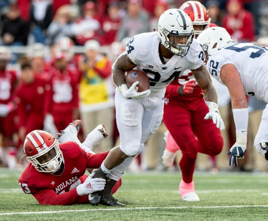 IPenn State running back Miles Sanders (24) averages 104.3 yards rushing per game.