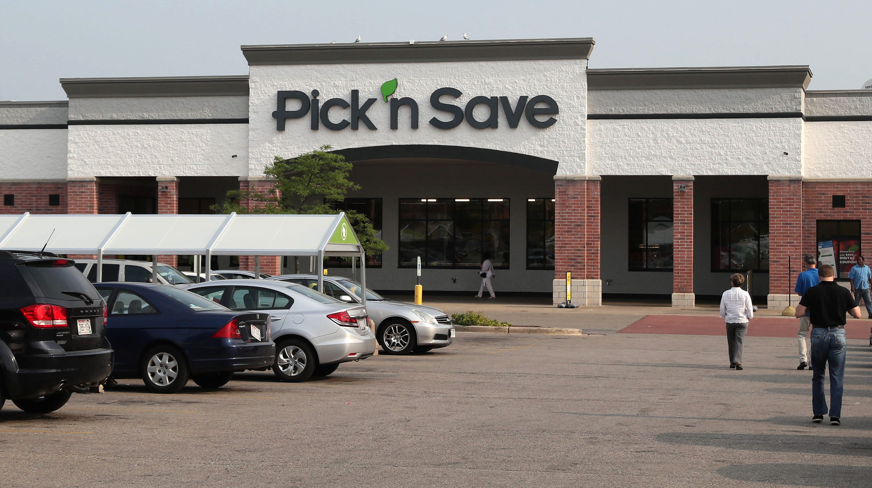 Pick 'n Save at Midtown where a ribbon cutting...