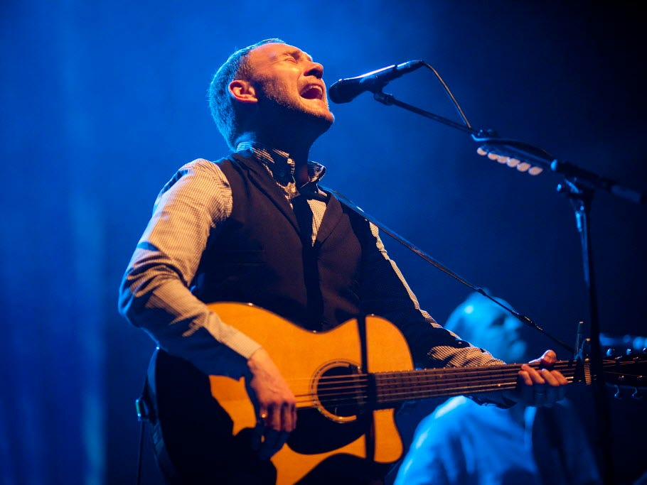side5 fea caw  3  David Gray performs at the BMO Harris Pavilion on Wednesday, July 4, 2012.  PHOTO BY CHRIS WILSON / CWILSON@JOURNALSENTINEL.COM