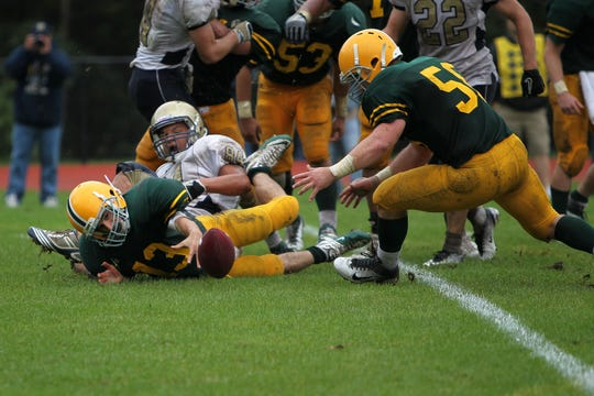 Steven Quadrel (58) in 2011 when he was a lineman for Morris Knoll High School.