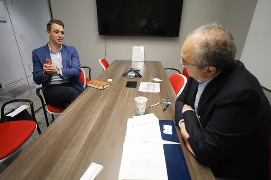 Mike Glaicar of Howell, founder and CEO of Trueconnect, a company that offers sales assistance, talks about his company for 10 minutes with Alexandros Biliris, a member of New York Angels, before moving on to the next potential investor. New York Angels mentors young companies with potential.