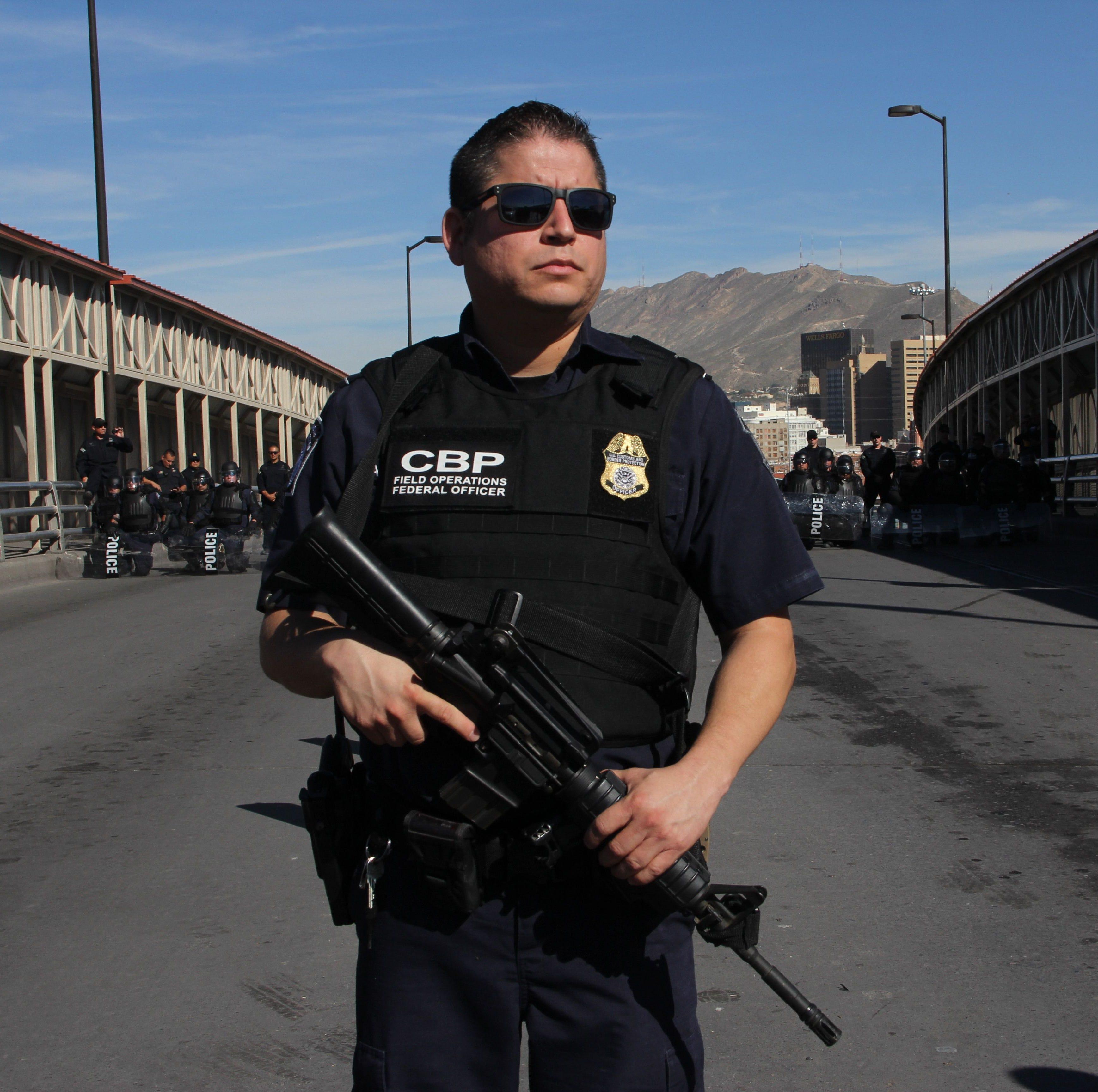 EEUU refuerza frontera con Tijuana ante avance de caravana