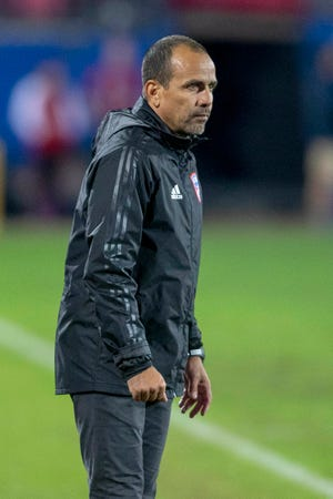FC Dallas head coach Oscar Pareja coaches from the sidelines during a 2018 match against the Portland Timbers. Pareja will be the next head coach at Orlando City SC.