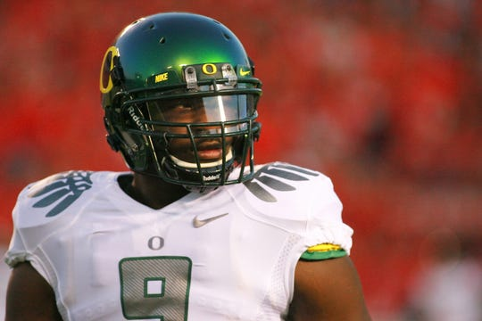 Oregon Ducks running back LeGarrette Blount (9), who in 2009 was suspended after a punching incident at Boise State.