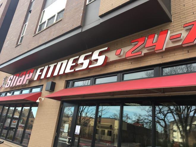 The Snap Fitness gym on Fifth Avenue South in St. Cloud announced its closure via a note on the front door Thursday, Nov. 1.
