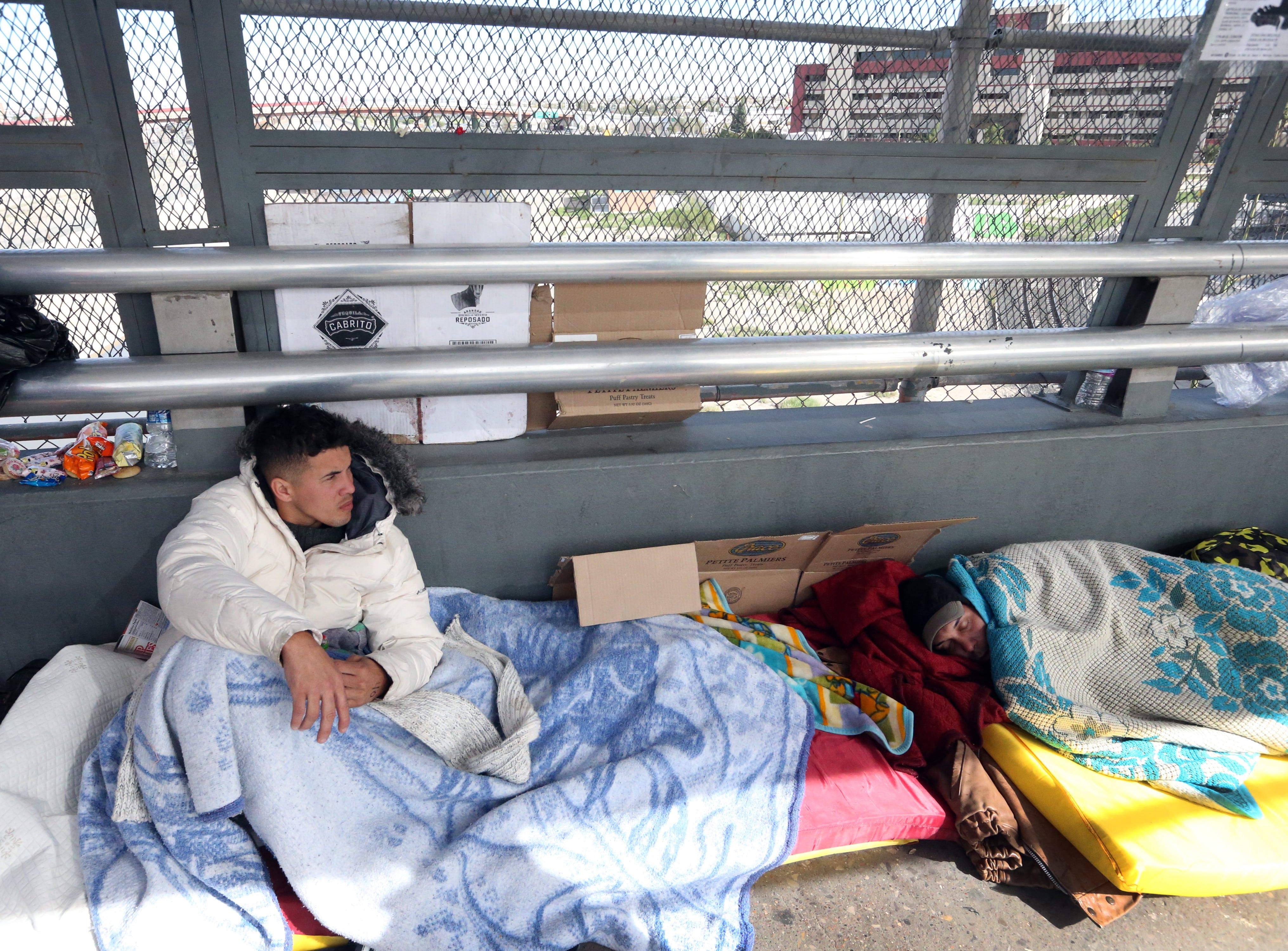 Migrants sleeping on Paso Del Norte Bridge at El Paso border moved to Juárez shelter