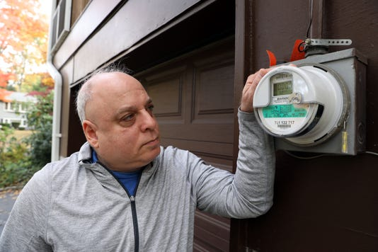 Smart meters pose privacy worries for homeowners