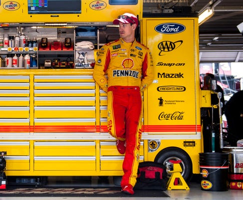 Pressure is off Joey Logano as NASCAR playoffs hit Texas with final four spots on the line