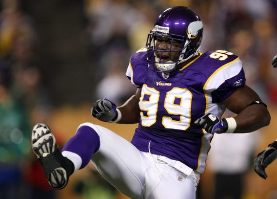 Former Minnesota Vikings linebacker Napoleon Harris celebrates his sack against the Green Bay Packers during a 2008 game.