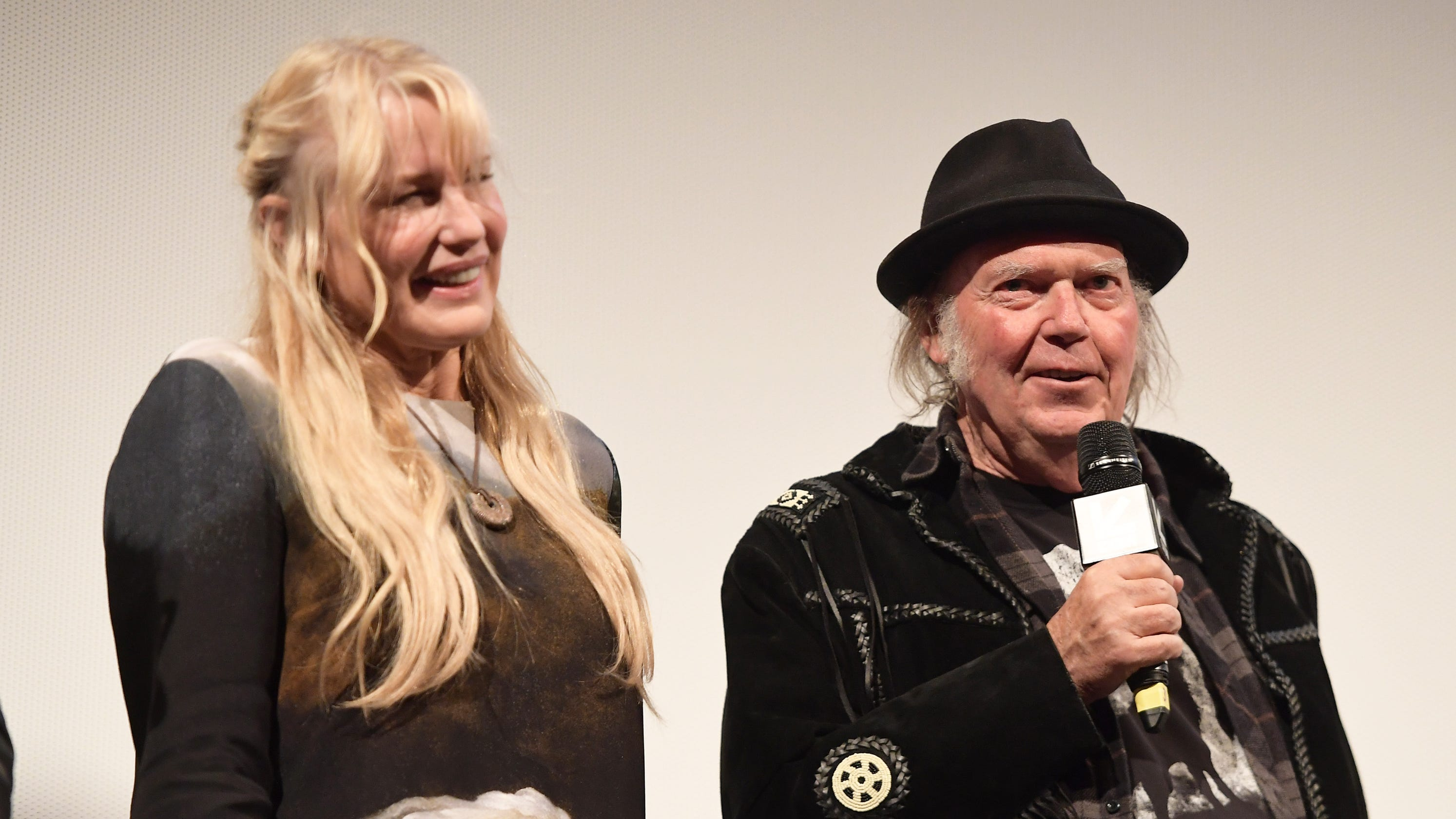 Neil Young And Daryl Hannah Got Married After All