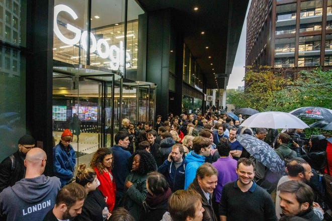 Google staff stage a walkout at the company's headquarters in London on Nov. 1, 2018, as part of a global campaign over the tech giant's handling of sexual harassment.