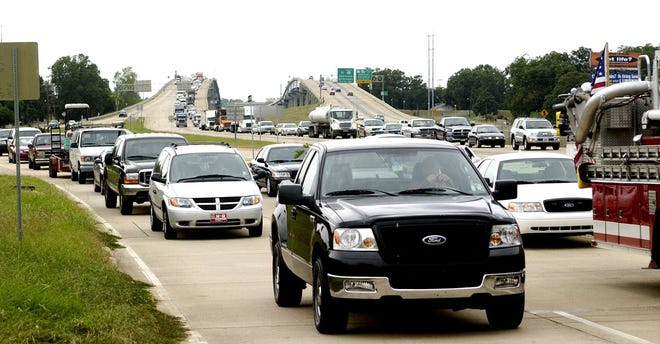Traffic on the Cottingham Expressway and service road in Pineville is tied up after an accident in 2005. Louisiana's metro areas are in need of projects to ease congestion. transportation officials say.