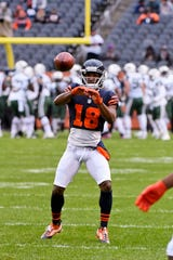 Chicago wide receiver Taylor Gabriel (18) warms up before the Bears' game against the New York Jets on Sunday, Oct. 28, 2018, in Chicago.