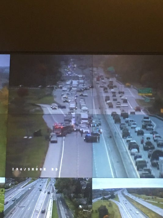 WB I-94 reopens in Macomb County after rollover crash
